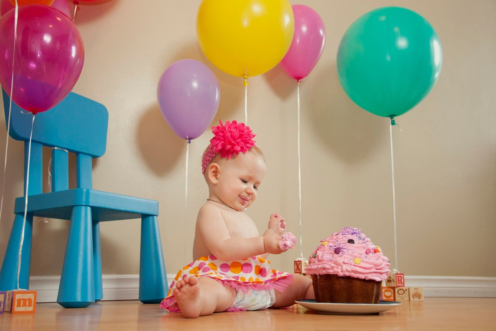 Regina Family Photographer - Hayden Cake Smash