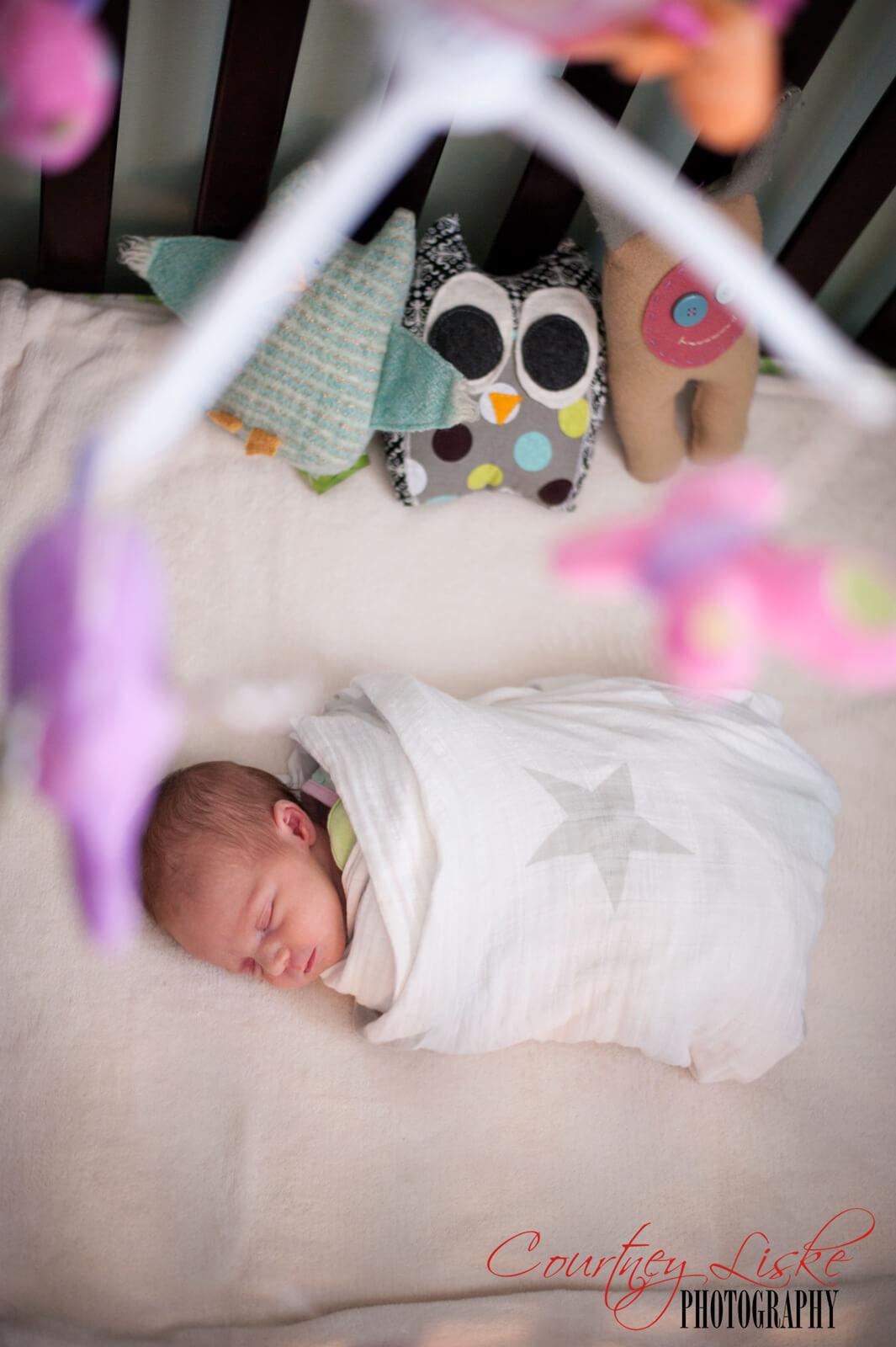 Regina-Newborn-Photographer---Layla-and-Mobile