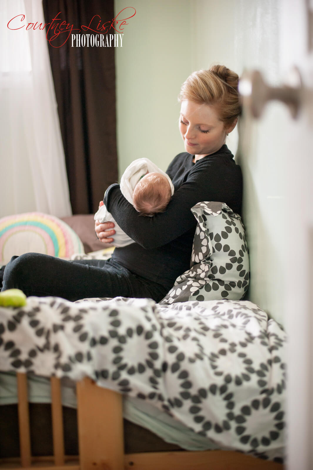 Regina-Newborn-Photographer---Layla-and-Mommy