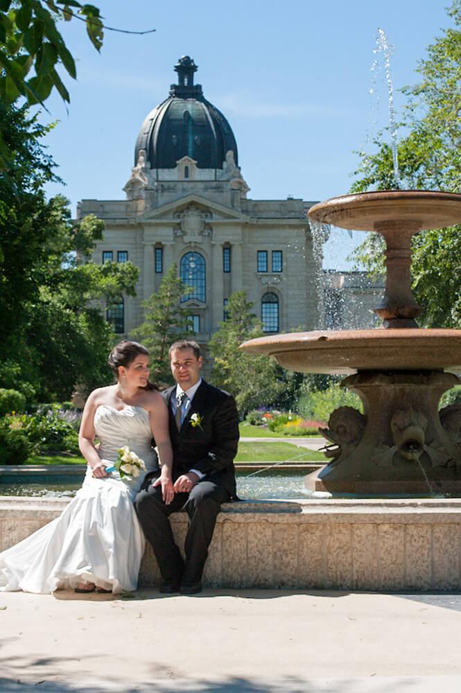 Regina Wedding Photographer - Blair & Lorelle - Wascana Fountain