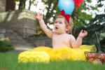 Evelyn is one - Regina Snow White balloons - Family photography
