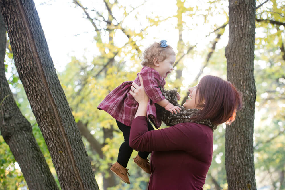 Mother and daughter Regina family photography session in Wascana Park