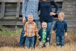 Family farm photography session with Courtney Liske