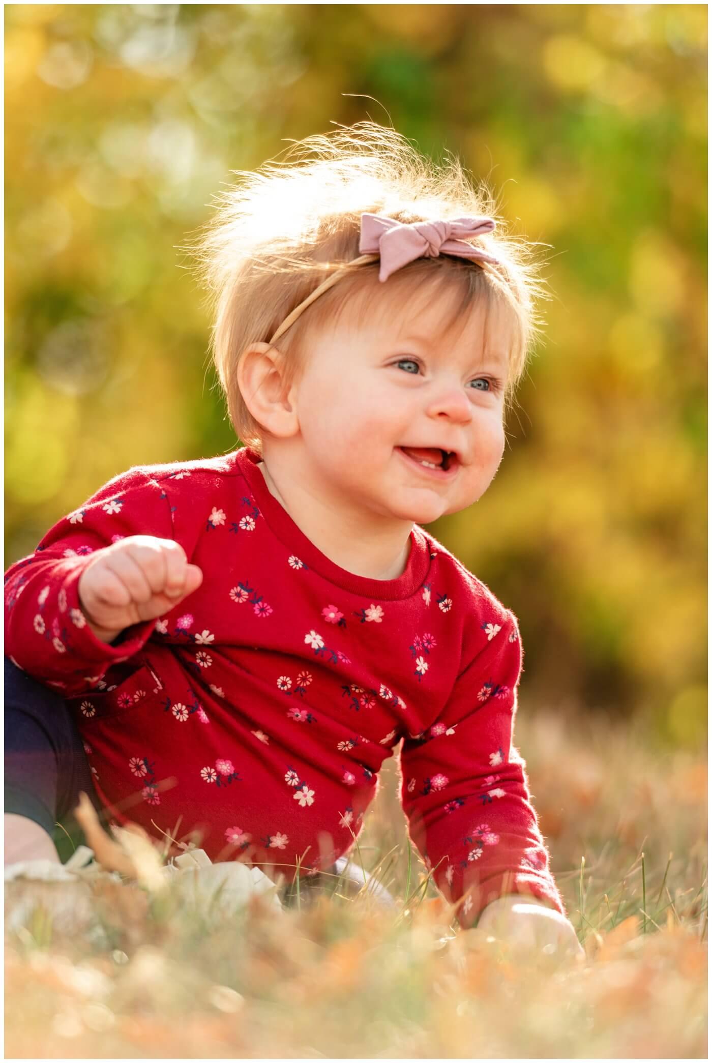 Regina-Family-Photography-Eyre-Family-Douglas-Park-Hill-04-Sun-in-poofy-hair